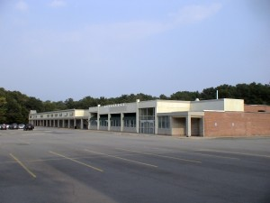Framingham, MA - Nobscot Shopping Center / Countryfare Star Market, vacant property, September 2011