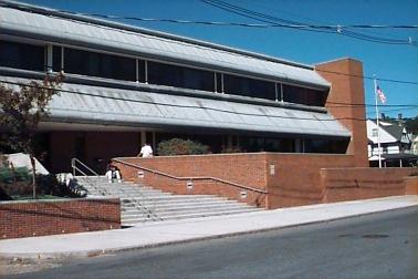 Photo of Framingham, MA Main Library